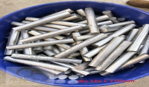 TiC ferro alloys for max increasing wear life of high manganese wear parts